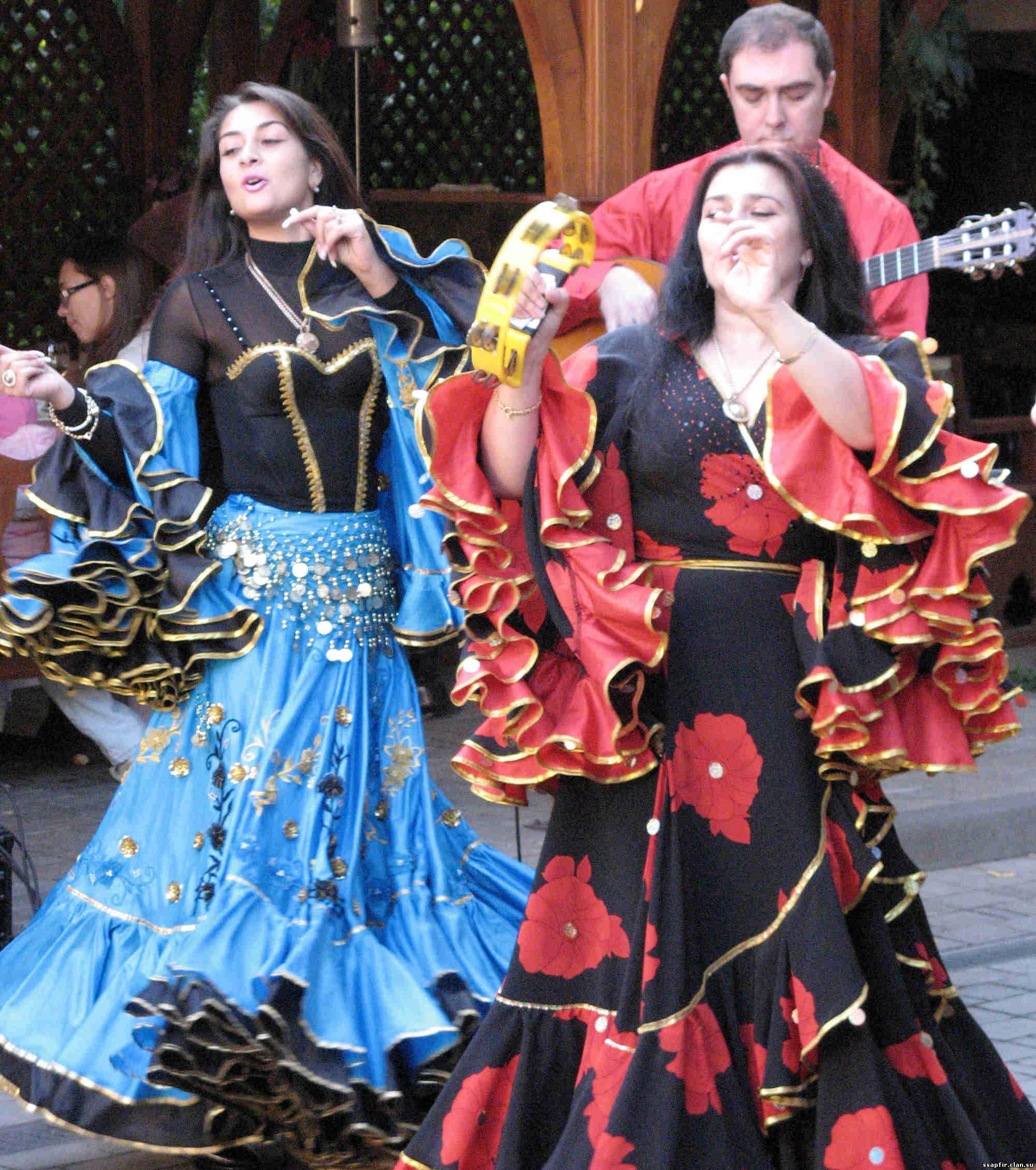 Смотреть все про цыганских женщин 3 фотография